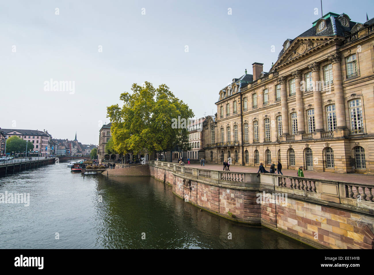 Houses along the Ill River, Strasbourg, Alsace, France, Europe - Stock Image