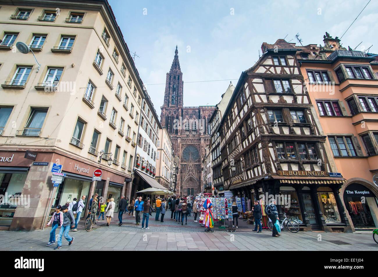 Rue Merciere, Strasbourg Cathedral, UNESCO World Heritage Site, Strasbourg, Alsace, France, Europe - Stock Image