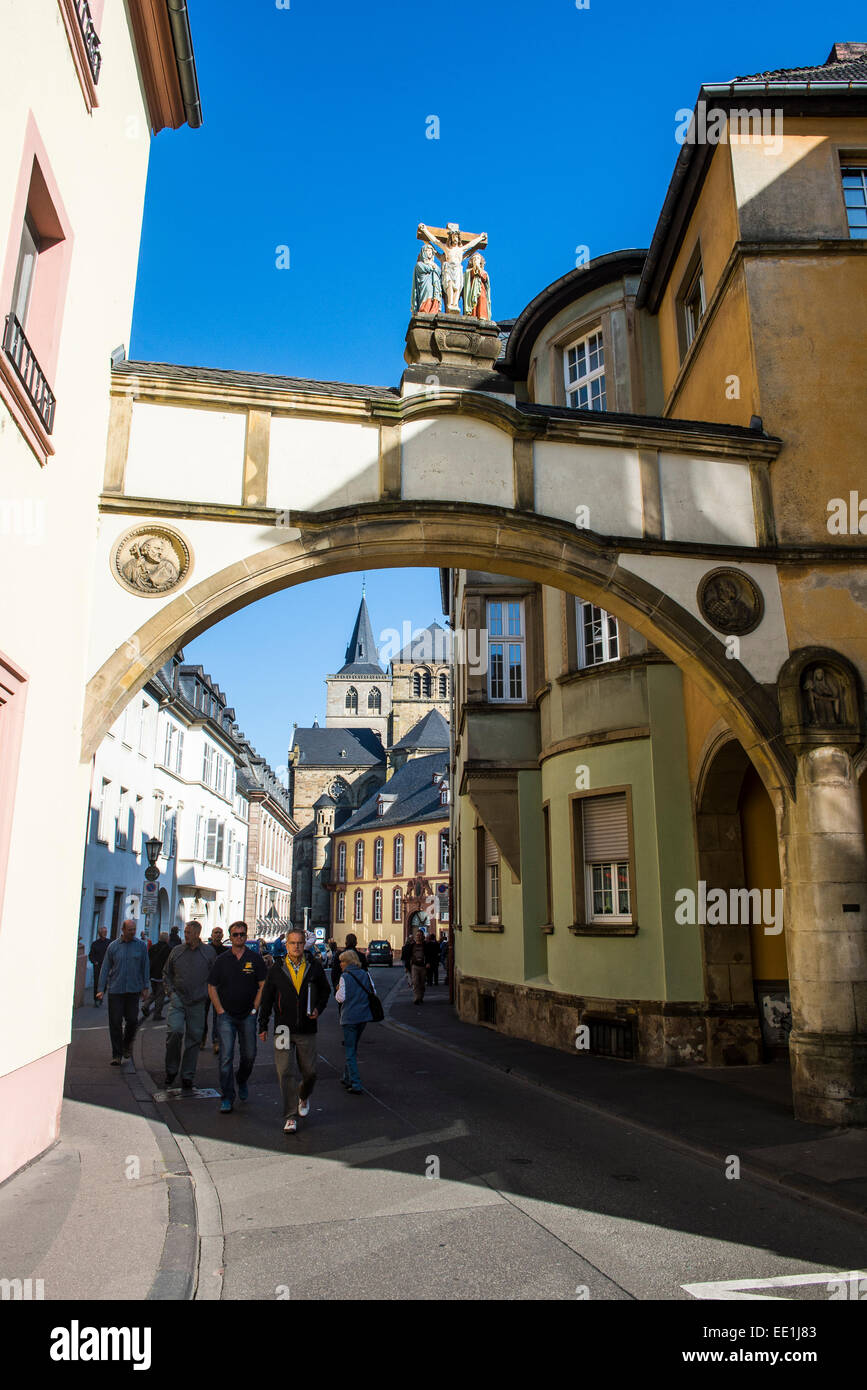Street leading to the Church of Our Lady (Liebfrauenkirche), UNESCO, Trier, Moselle Valley, Rhineland-Palatinate, - Stock Image