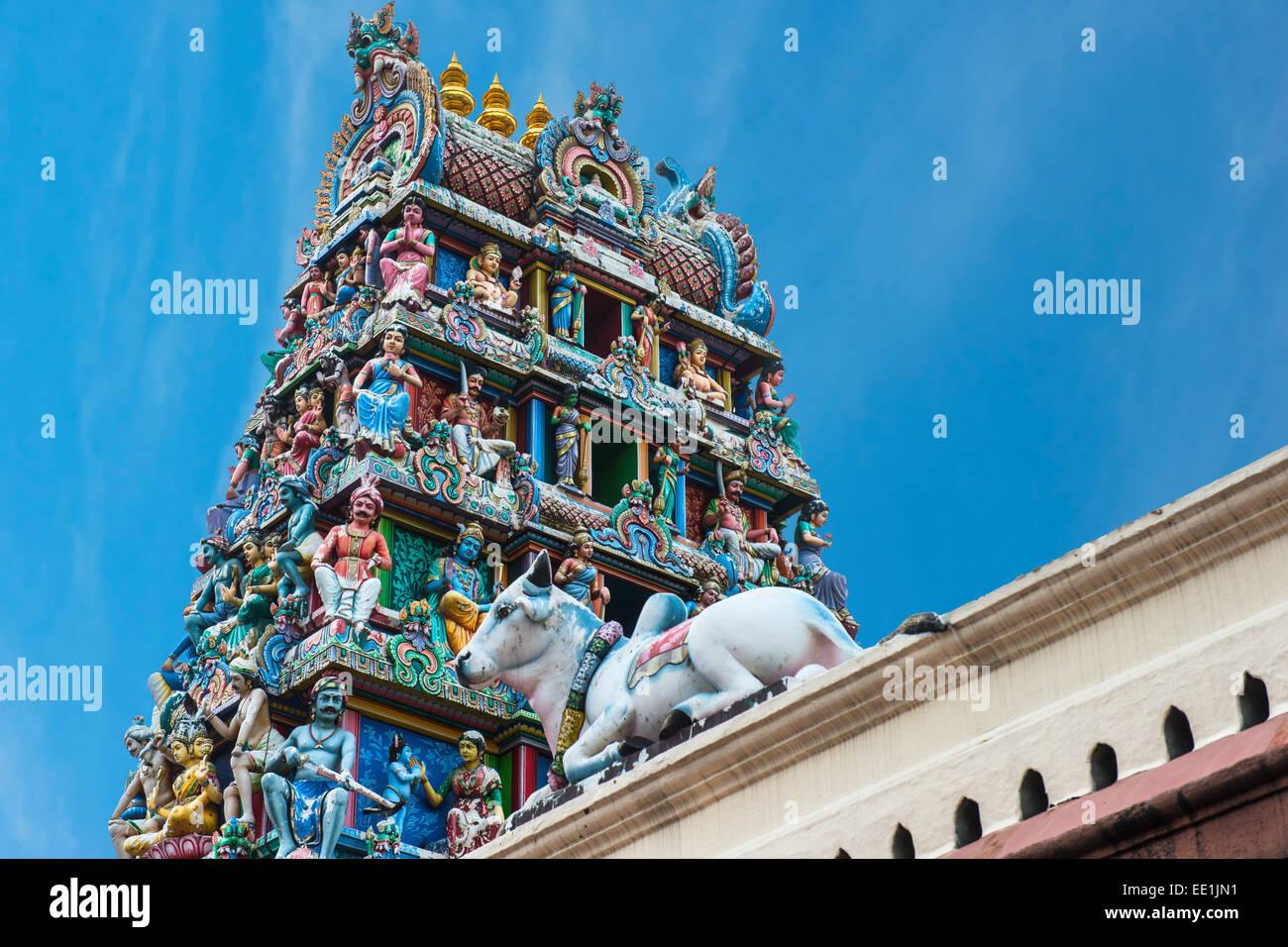 Hindu deities at Sri Mariamman (Mother Goddess Temple), oldest Hindu place of worship, Chinatown, Singapore, Asia - Stock Image