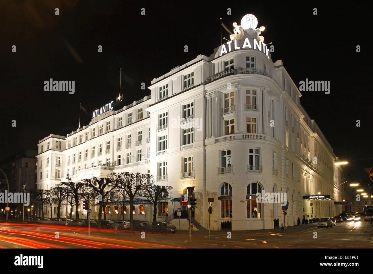 Deutschland, Hamburg, Hotel Atlantic, Nacht, Norddeutschland, Hansestadt, Hotelgebaeude, Beleuchtung, Gebaeude, - Stock Image