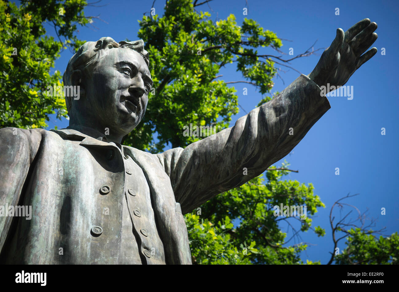 The statue of Cecil Rhodes in The Company's Garden, Cape Town, South Africa. Designed by Herbert Baker and unveiled - Stock Image