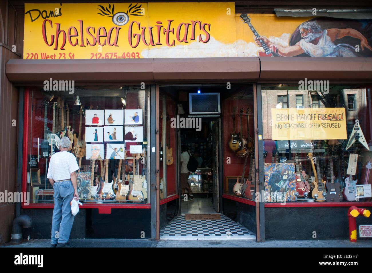 Chelsea guitar shop new york  USA  Dan's Chelsea Guitars  23th St