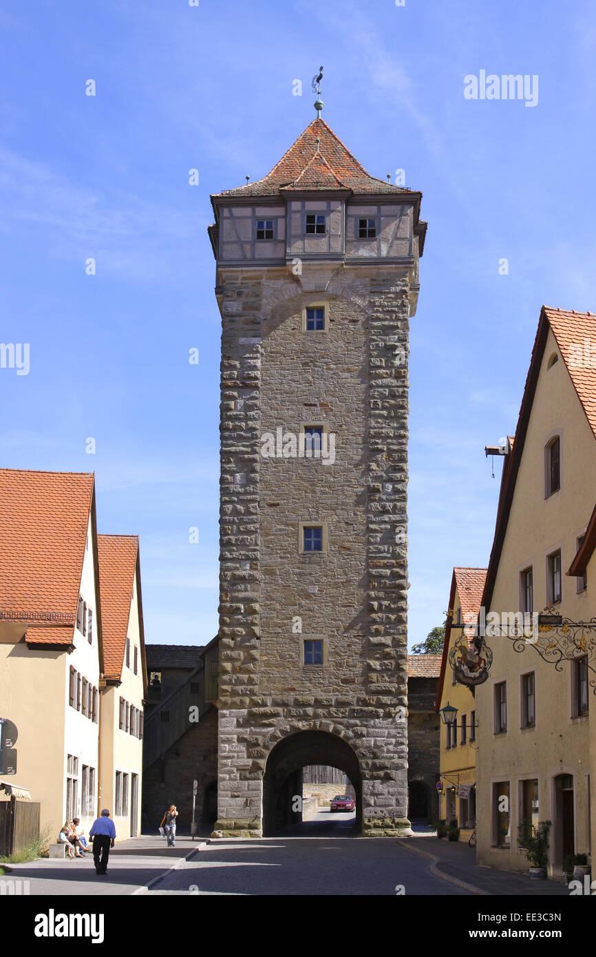 Deutschland, Bayern, Rothenburg ob der Tauber, Roedertor, Roederturm, Stadtmauer, Torbogen, Mauer, Turm, Mittelalter - Stock Image