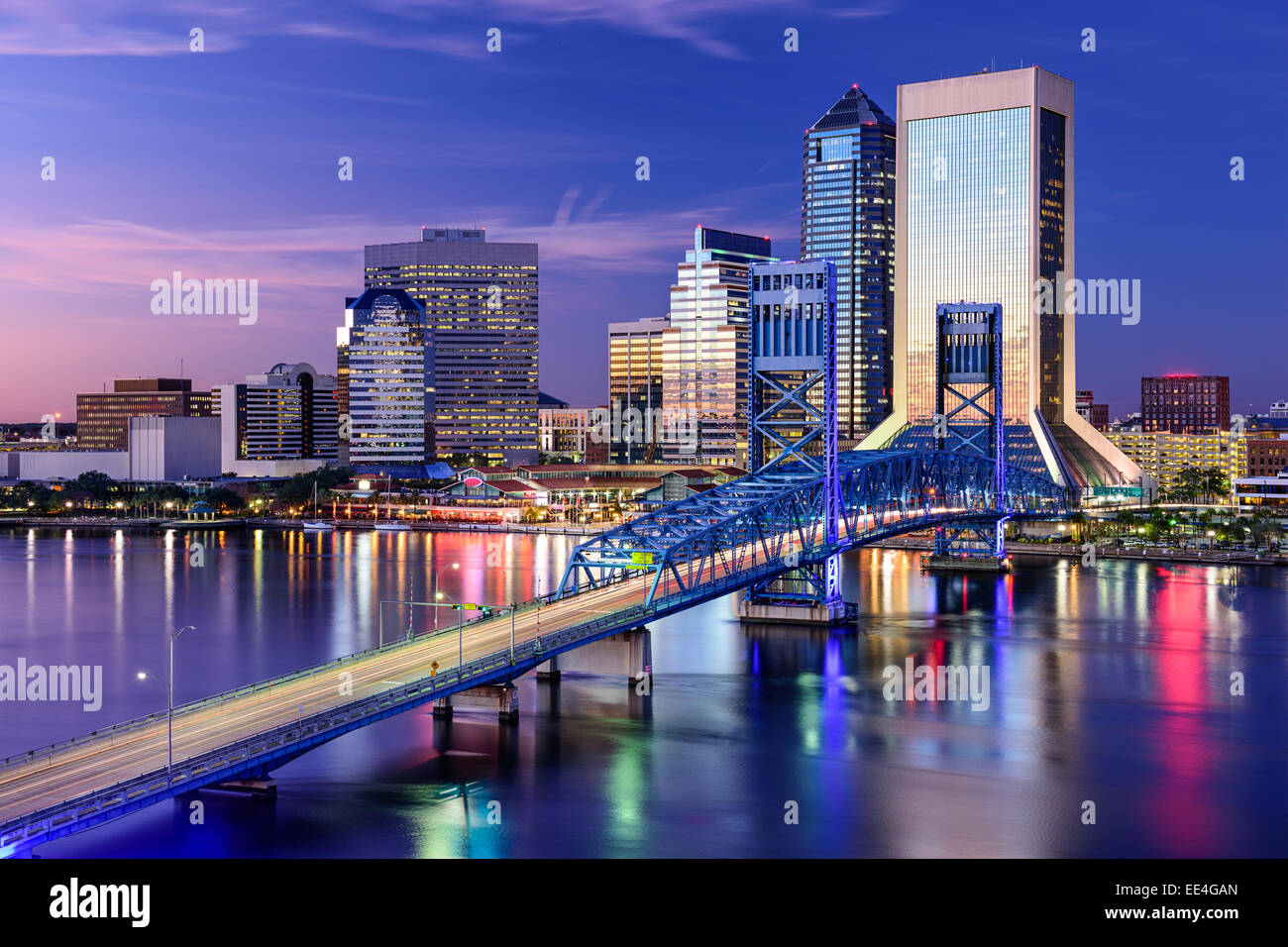 Jacksonville, Florida, USA city skyline on St. Johns River. - Stock Image