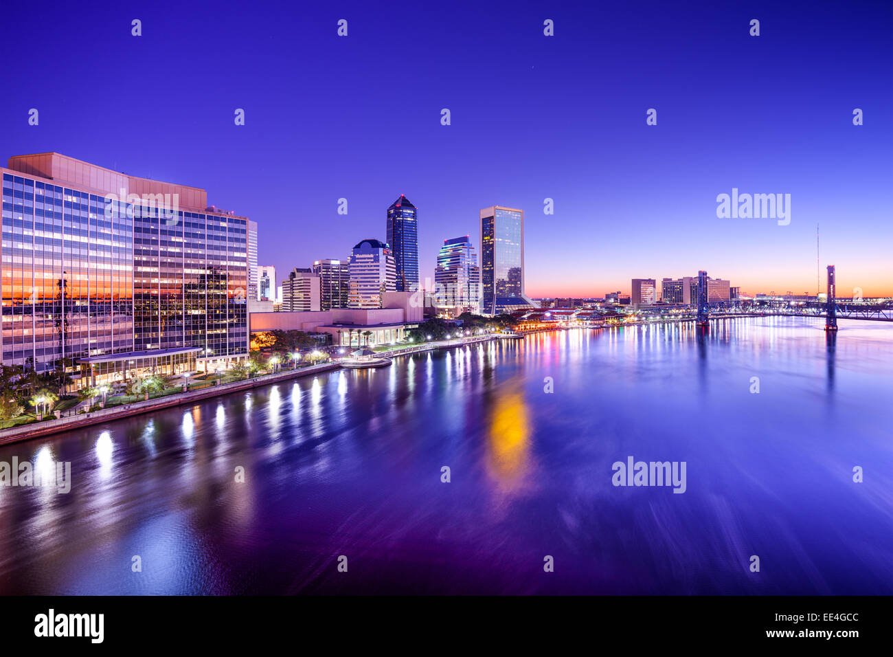 Jacksonville, Florida, USA city skyline on St. Johns River at dawn. - Stock Image