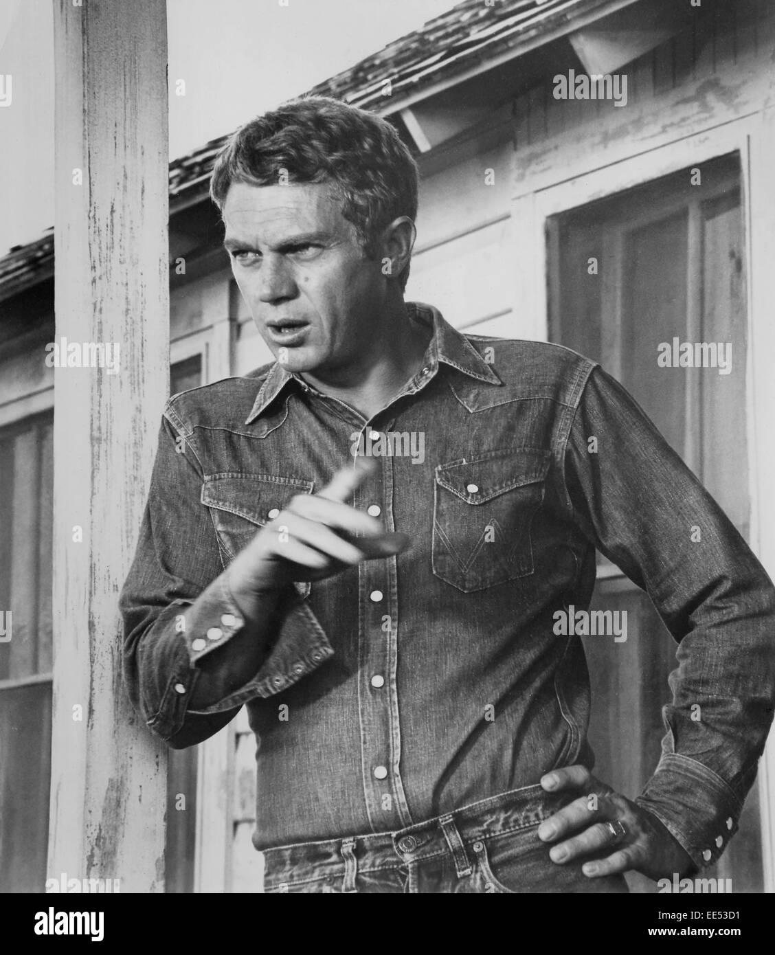 Steve McQueen, Portrait in Denim Shirt, on-set of the Film, 'Baby the Rain Must Fall', 1965, - Stock Image