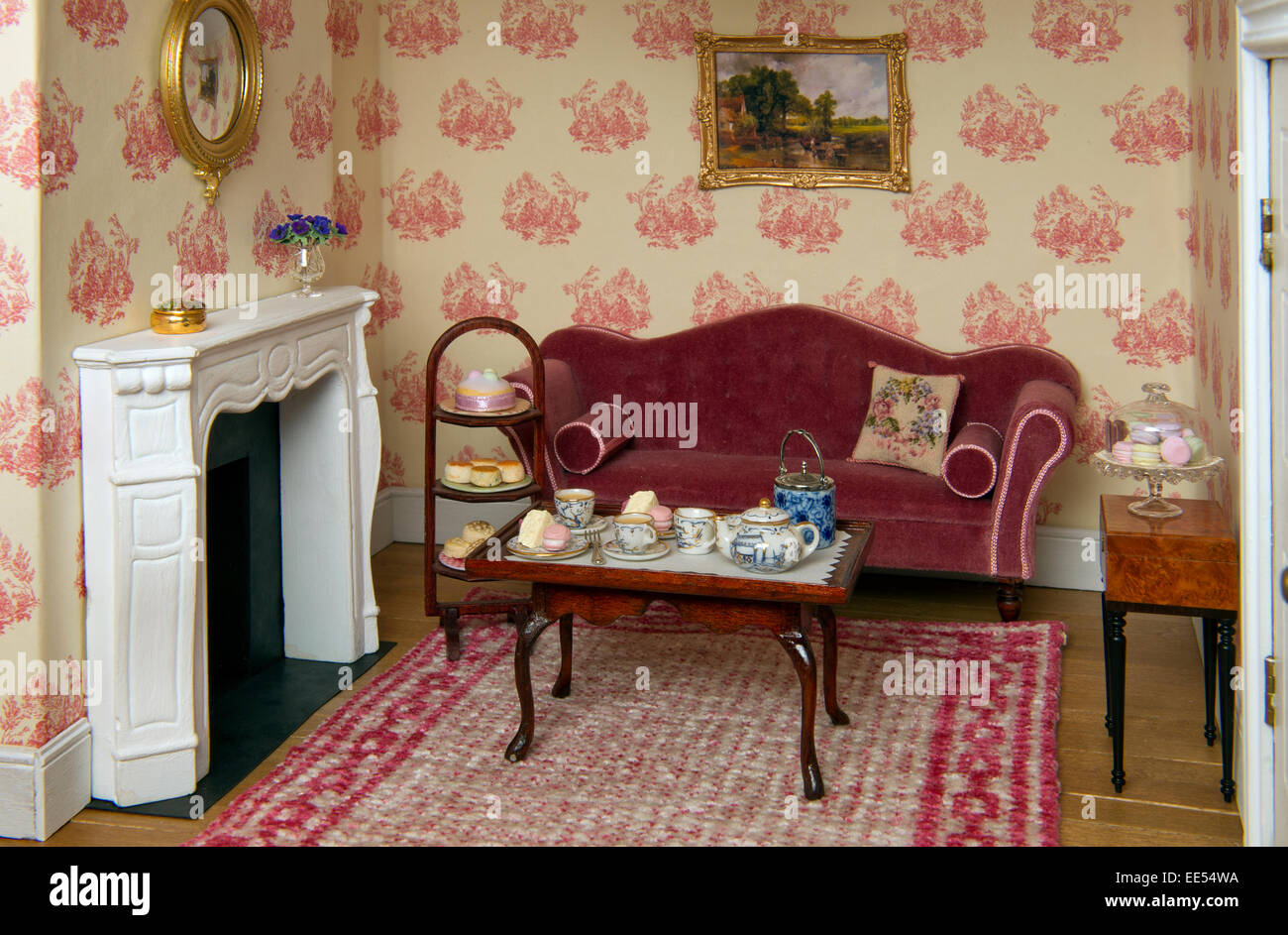 Nice Regency Period Dolls House, Showing The Miniature Interiors And Furniture.