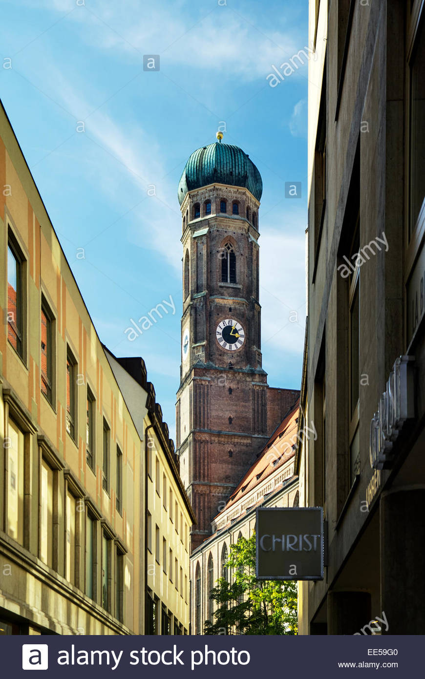 Onion dome tower of the Frauenkirche Dom in München / Munich, Germany. - Stock Image