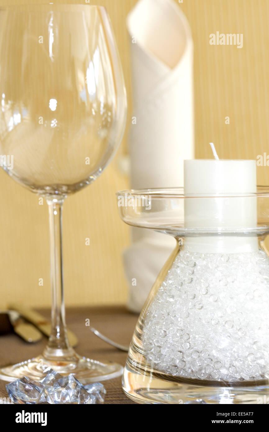 Tisch, gedeckt, festlich, Detail, Tischdeko, Tischdekoration, Glaeser, Weinglas, Wasserglas, Restaurant, Serviette, Stock Photo