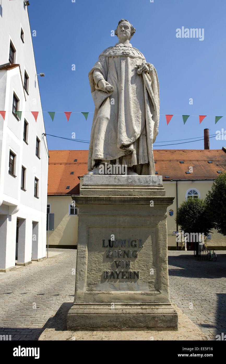 Deutschland, Bayern, Kehlheim, Niederbayern, Gebaeude, Innenstadt, Ludwigsplatz, Standbild Ludwig I - Stock Image