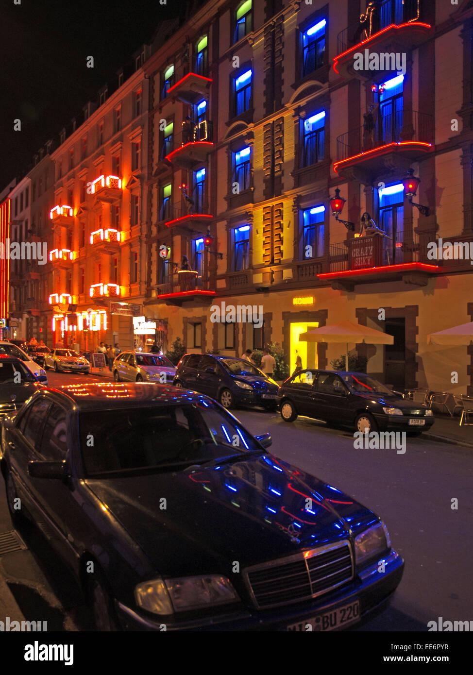 Deutschland, Frankfurt am Main, Bordell, Fenster, Eingang