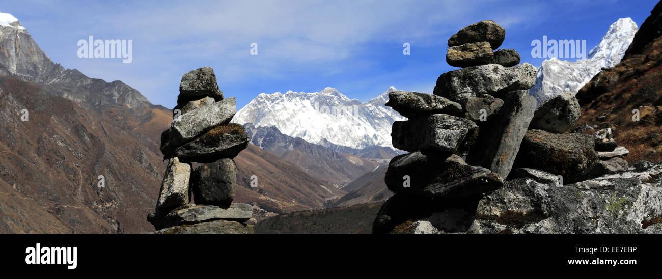 Prayer Stones and Buddhist Stupa on Tengboche Ri Hill, Tengboche village, Everest Base Camp trek, UNESCO World Heritage Stock Photo