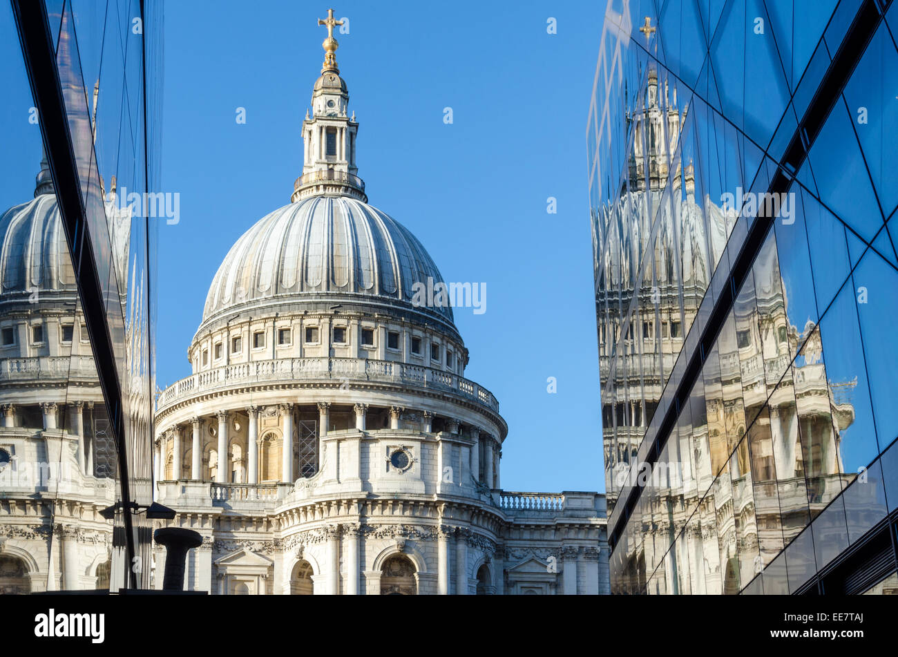 St Paul's Cathedral reflected in the glass of One New Change shopping centre. City of London, UK Stock Photo
