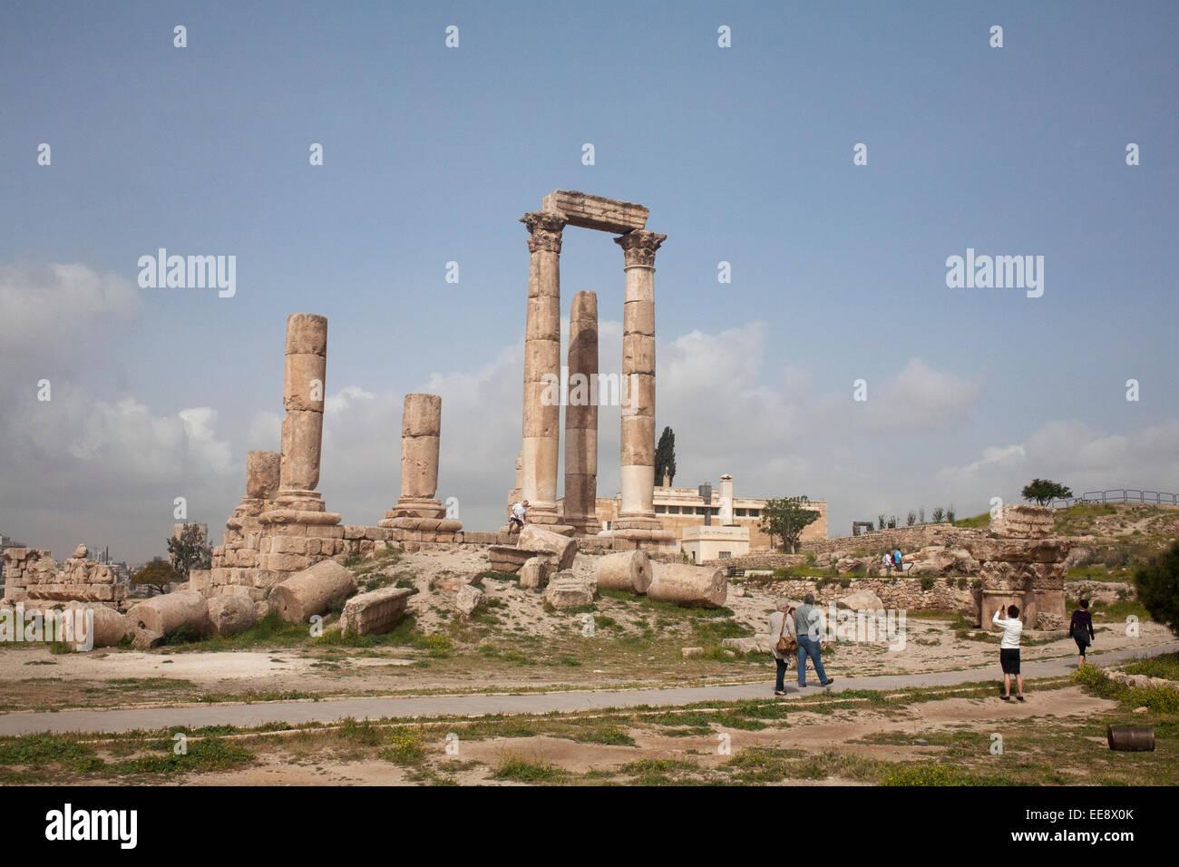 Roman Corinthian Columns at the Temple of Hercules Citadel Hill, Amman Stock Photo