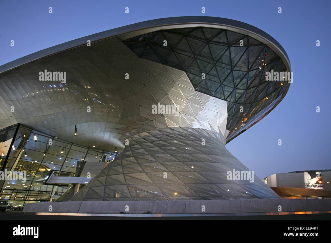 Architektur, Autohersteller, Automobilkonzern, BMW, Bau, Bauwerk, Bayern, Deutschland, Europa, Fabrik, Fernsehturm, - Stock Image