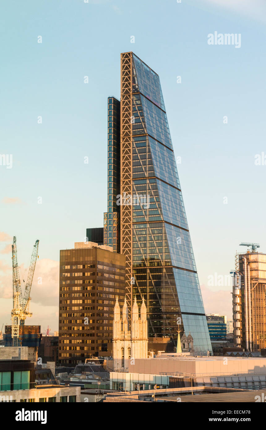 The Cheesegrater, 122 Leadenhall Street, City of London EC3  in late afternoon light - Stock Image