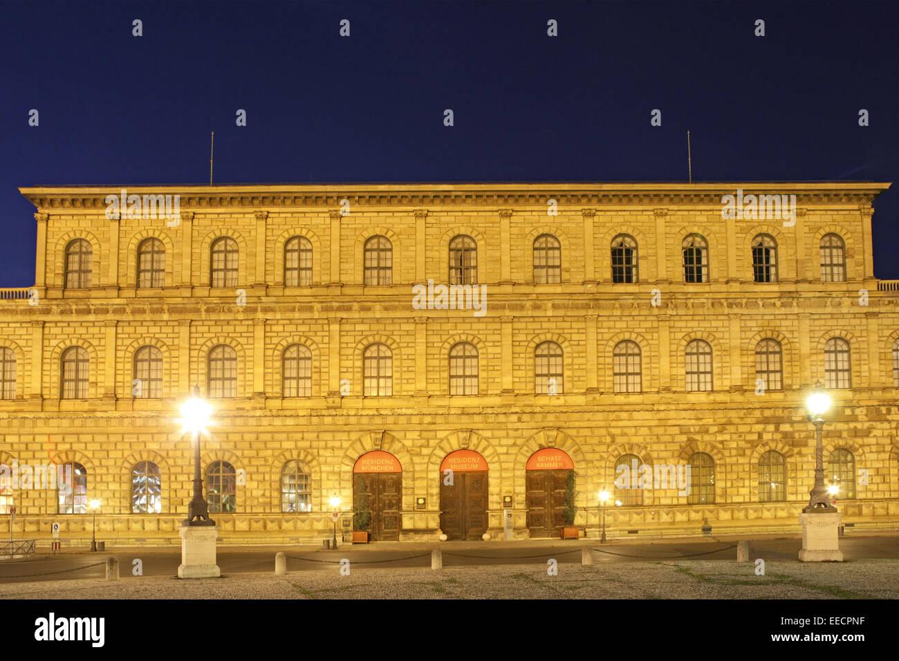 Architektur, Bauwerk, Bauwerke, Bayern, Deutschland, Gebaeude, Gebäude, Joseph, Max, Max-Joseph-Platz, Muenchen, - Stock Image