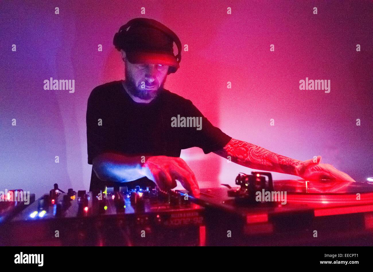 Levon Vincent DJing live - Stock Image