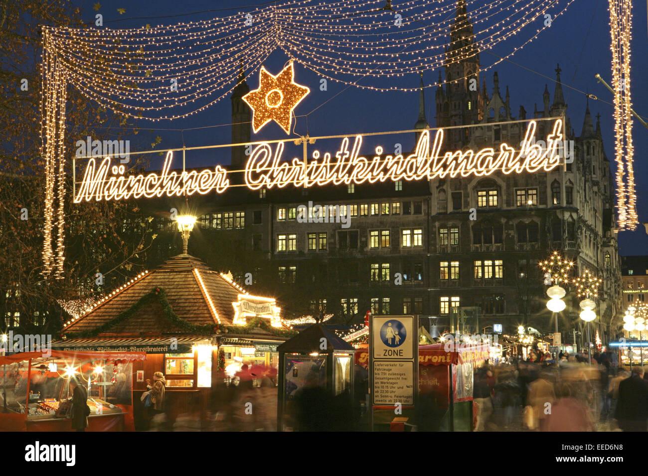 München Weihnachtsmarkt.Deutschland Bayern Muenchen München Rathaus Weihnachtsmarkt