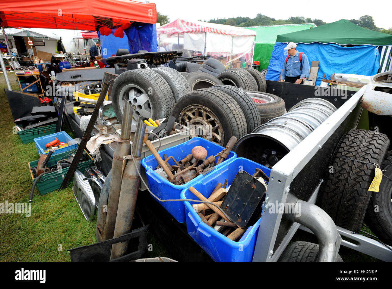 Beaulieu Autojumble, massive classic car parts swap meet and jumble ...