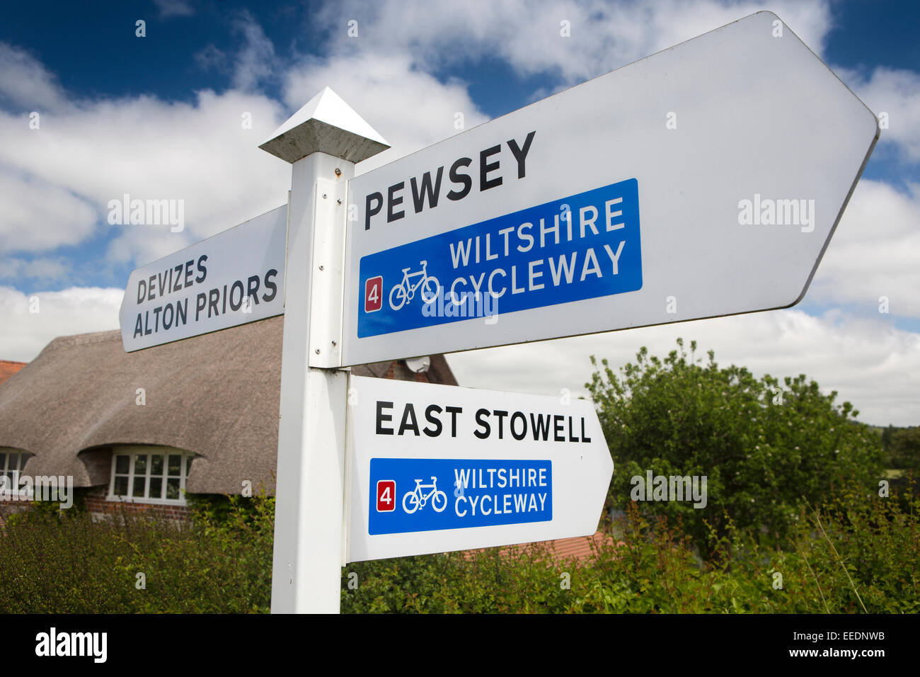 UK, England, Wiltshire, Vale of Pewsey, Wilcot, Wiltshire Cycleway sign - Stock Image