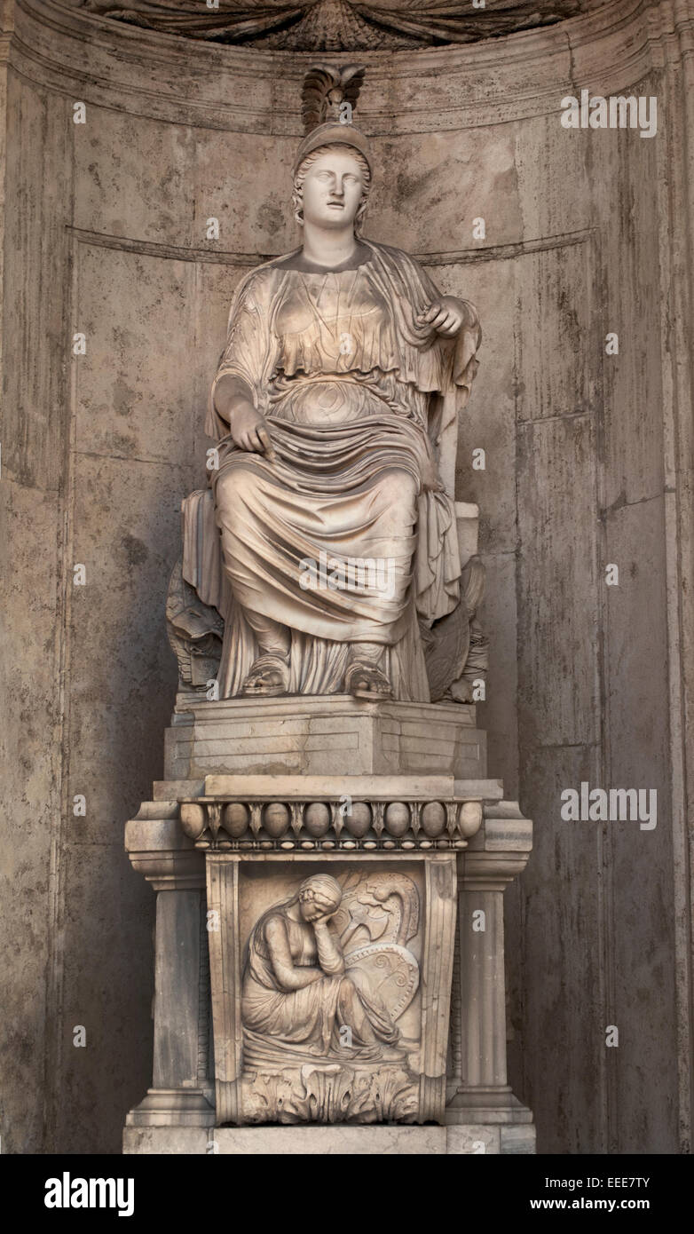 """Colossal Statue of Sitting Rome: """"Cesi Roma"""" Hadrianic period (117-138 AC) from a Greek original of the 5th century - Stock Image"""
