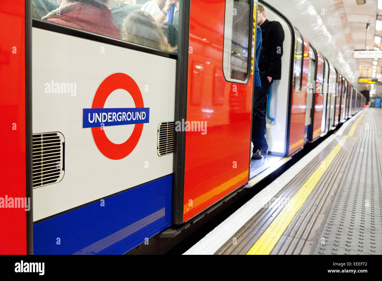 Victoria line train at the platform - Stock Image