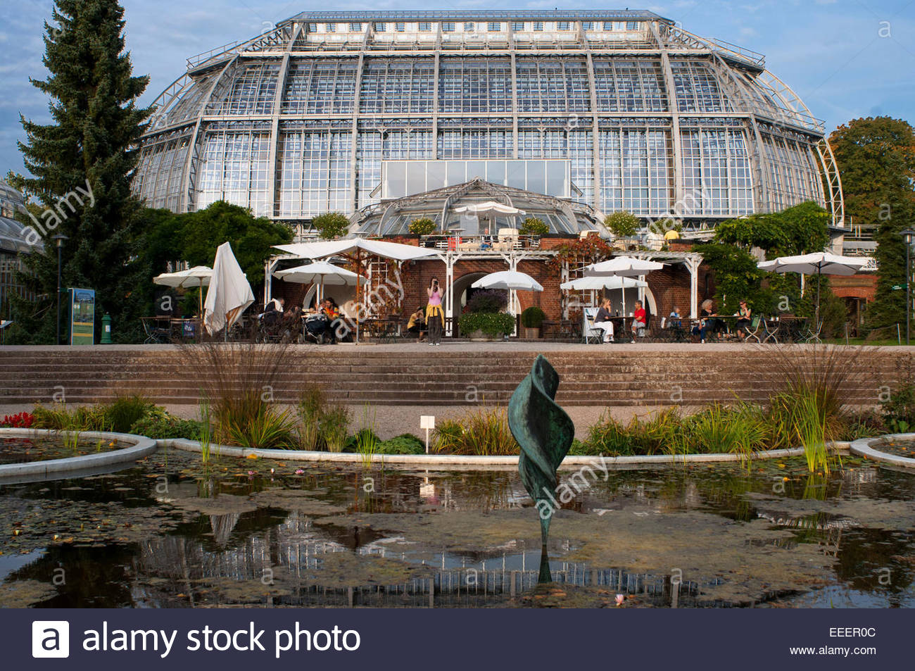 Botanical Garden Berlin, with more than 43 ha the greatest botanical garden in Europe. The main tropical greenhouse. - Stock Image