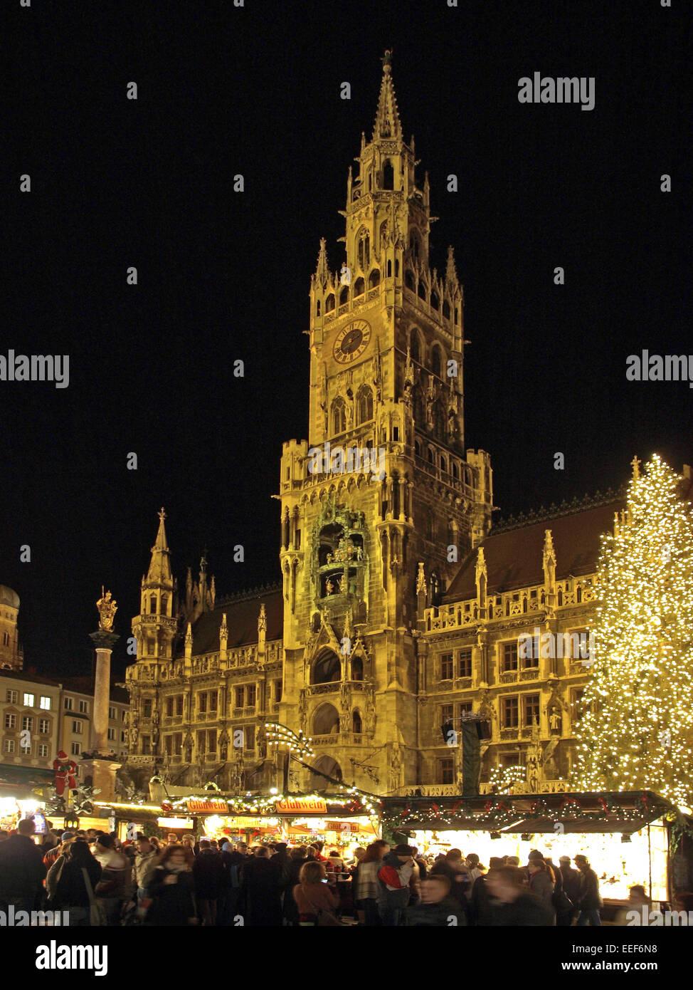 Deutschland, Bayern, Muenchen, Rathaus, Weihnachtsmarkt, Abend, Europa, Sueddeutschland, Oberbayern, Stadt, Christkindlmarkt, - Stock Image