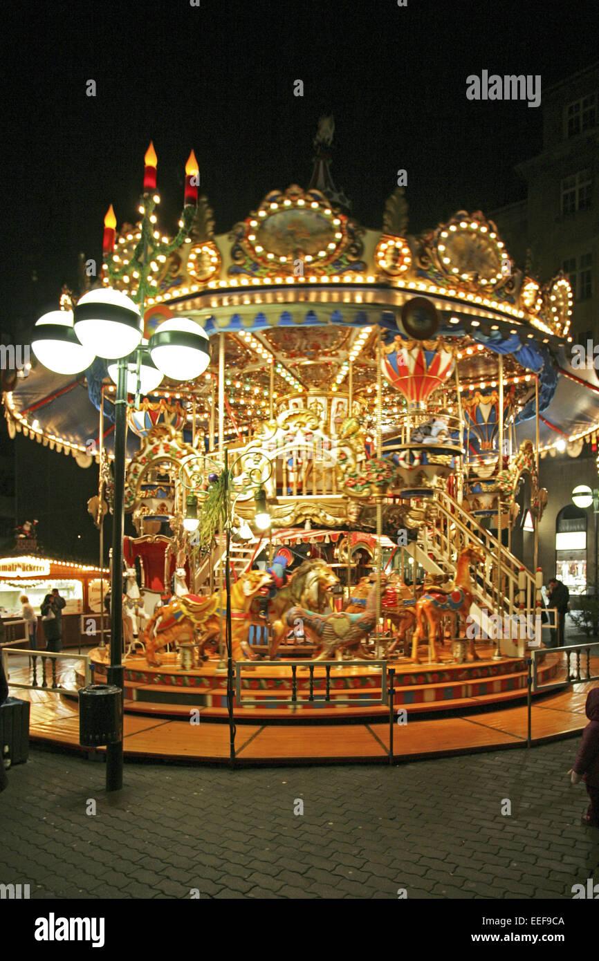 Weihnachtsmarkt Leipzig.Deutschland Leipzig Nacht Aussen Beleuchtet Sachsen Adventszeit
