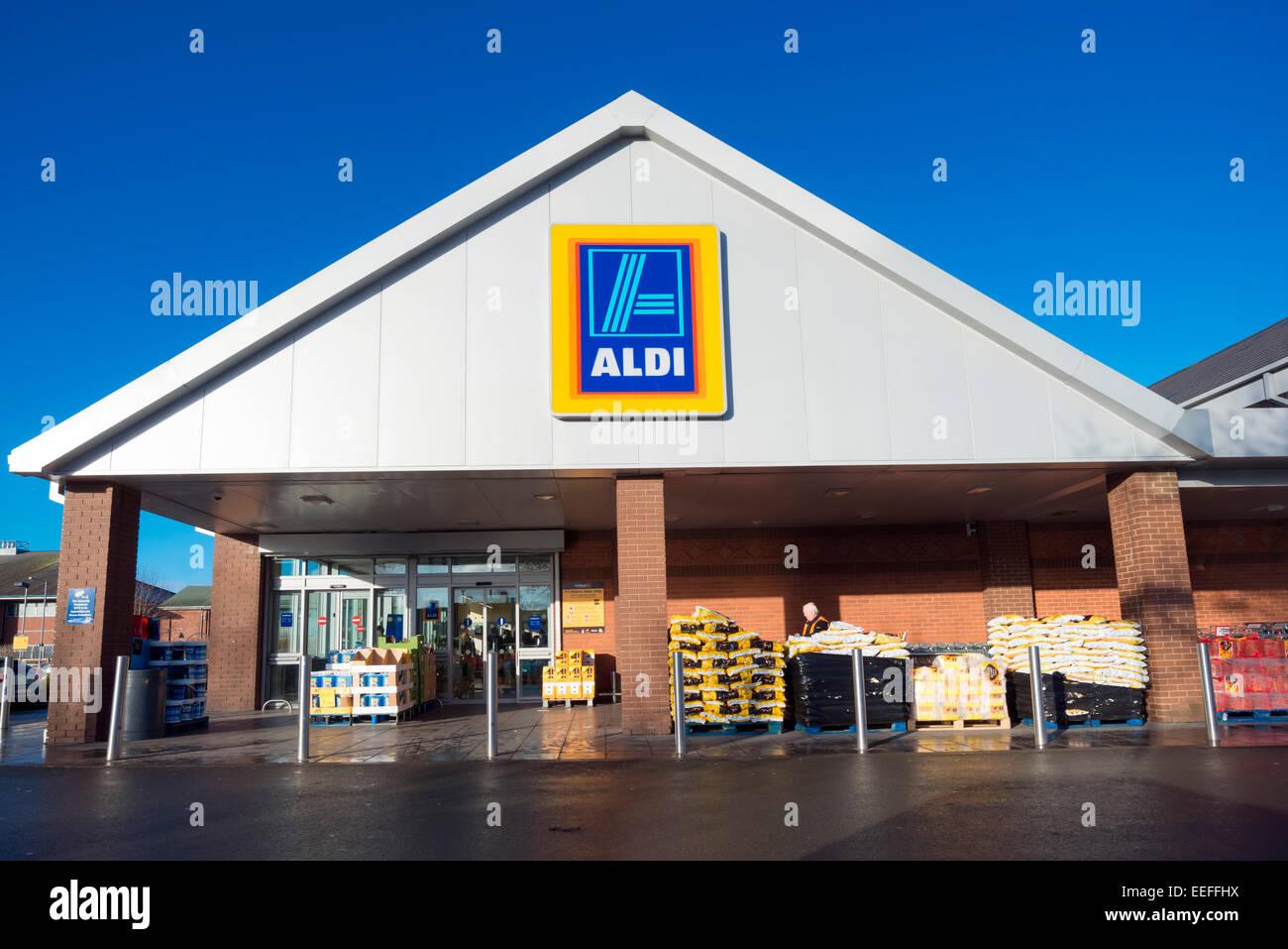 Aldi supermarket in Hereford, UK. - Stock Image