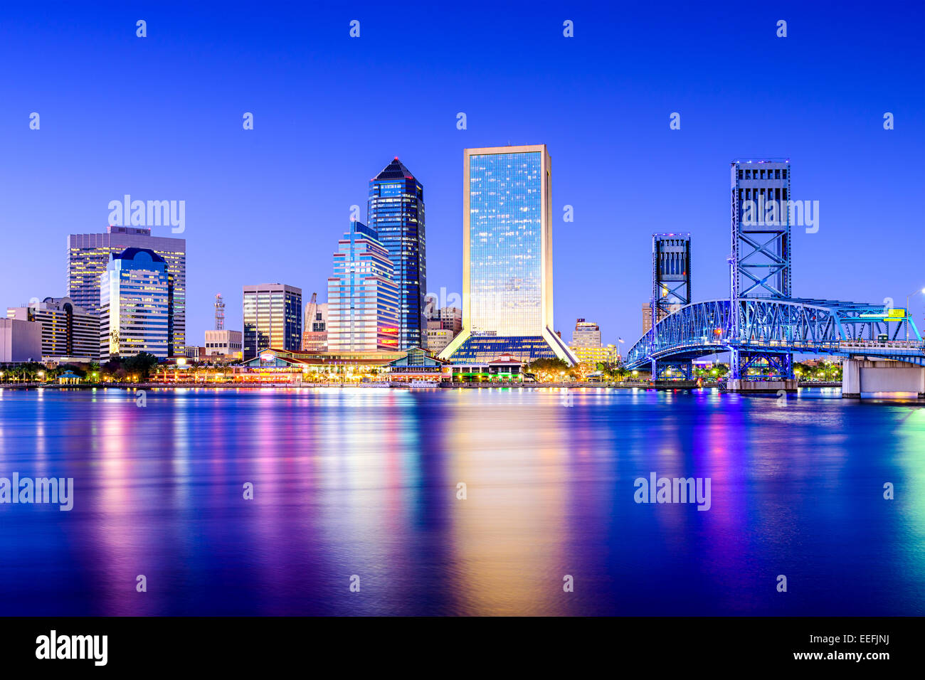 Jacksonville, Florida, USA downtown city skyline on St. Johns River. - Stock Image