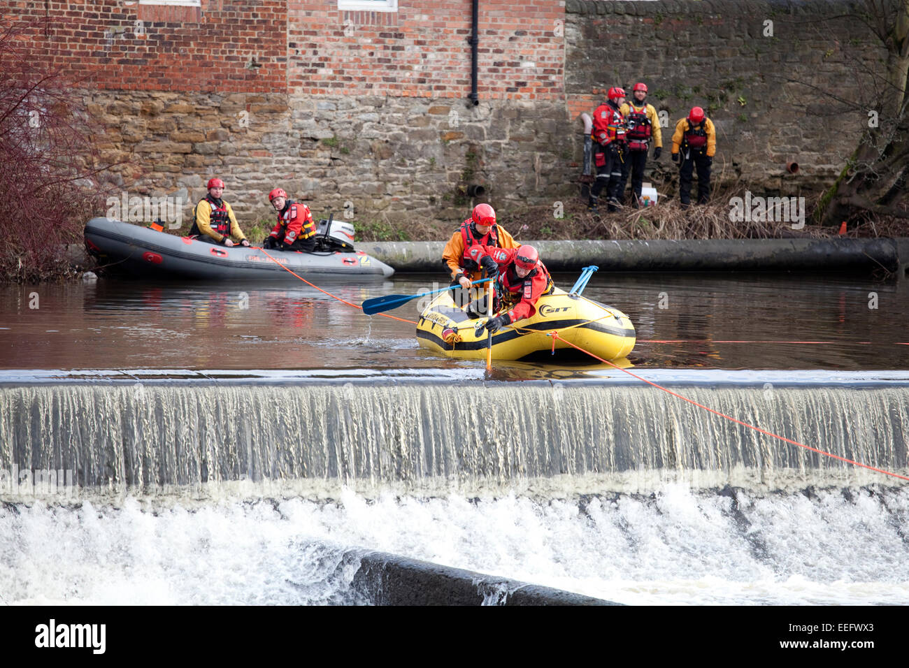 Durham, UK. 17th Jan, 2015. Members of the Durham Fire Service and the Teesdale and Weardale Mountain Rescue service - Stock Image
