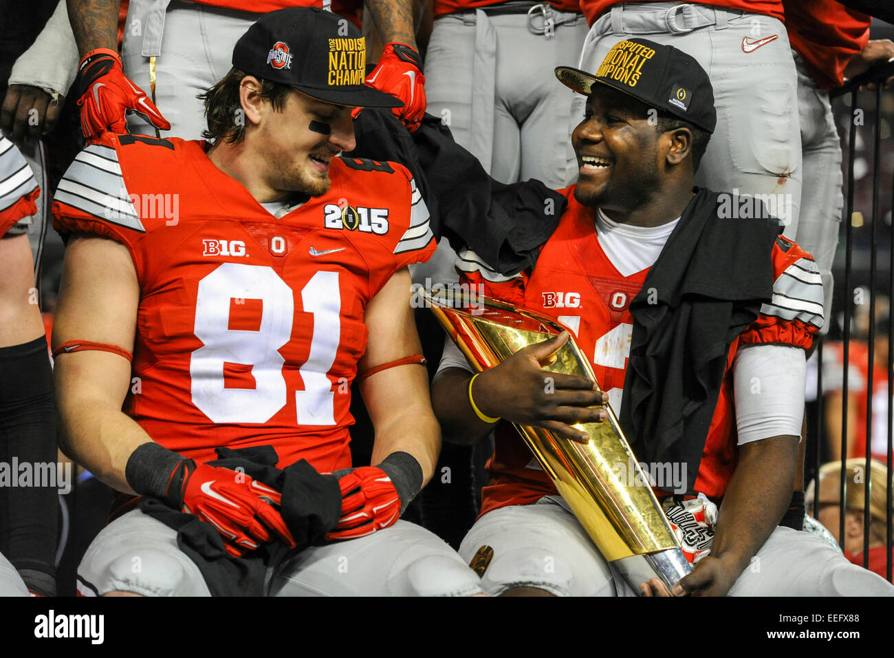 timeless design 0b0a0 1856e Ohio State tight end Nick Vannett (81) and quarterback ...