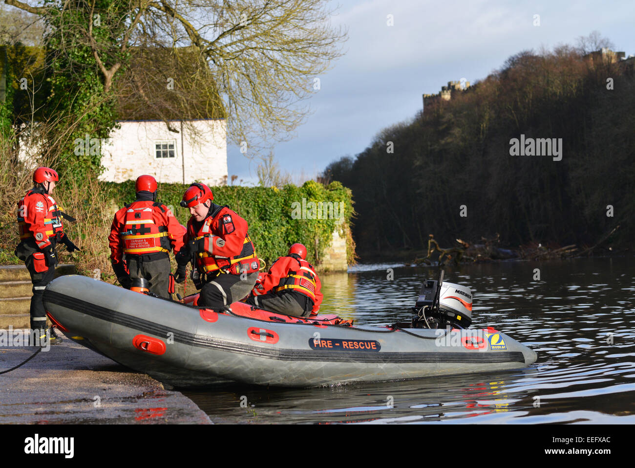 Volunteers from Teesdale and Weardale search & mountain rescue team prepare to search the river Wear for a missing - Stock Image
