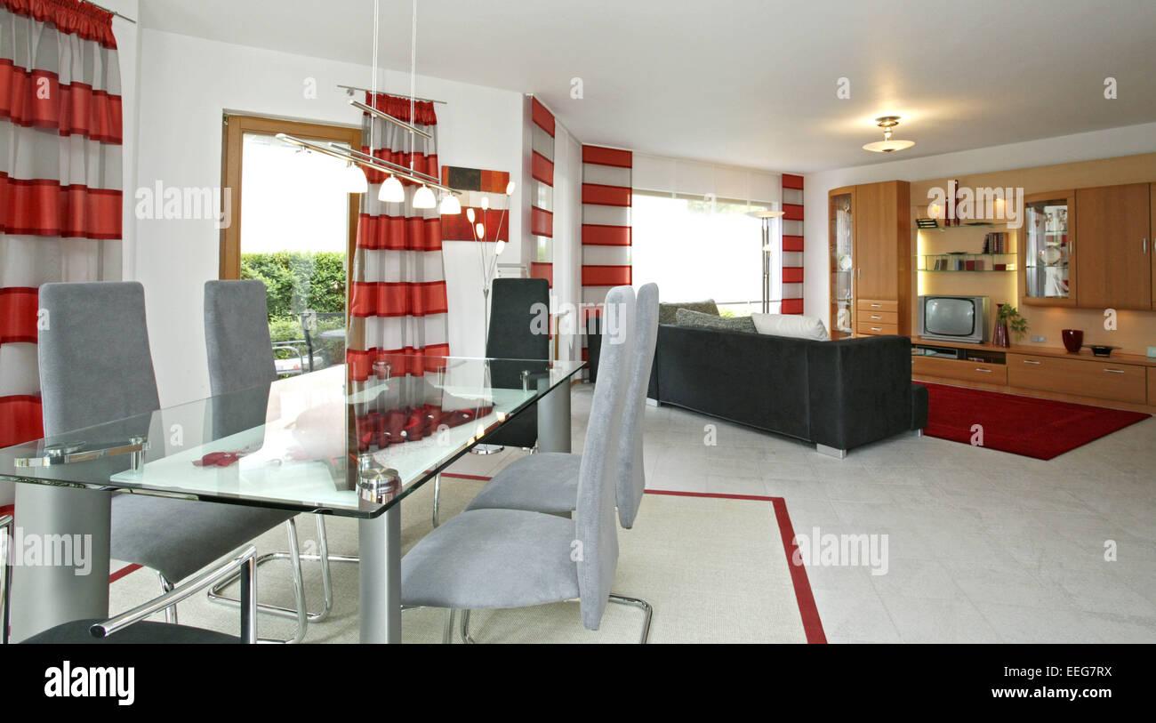 Wohnzimmer Esszimmer Wohnen Innenaufnahme Inneneinrichtung Wohnung Wohnraum  Einrichtung Moebel Mobiliar Modern Interieur Schrank
