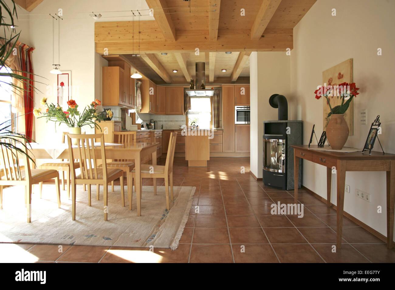 Kueche Esszimmer Wohnen Innenaufnahme Inneneinrichtung Wohnung Wohnraum  Einrichtung Moebel Mobiliar Modern Interieur Tisch Stuhl
