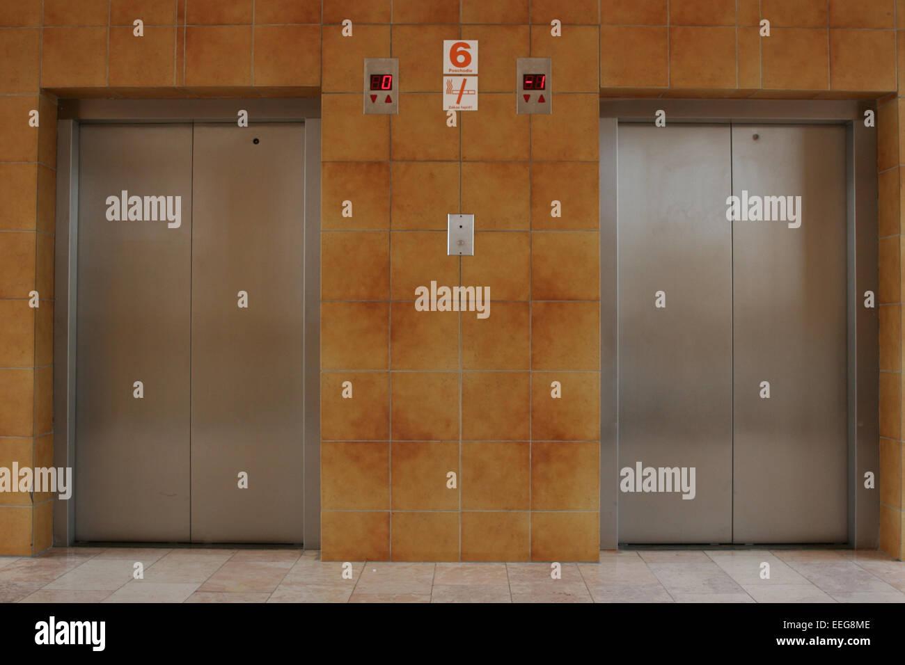 Aufzug Aufzuege Farbe Gebaeude Lift Innen Konzept Metall