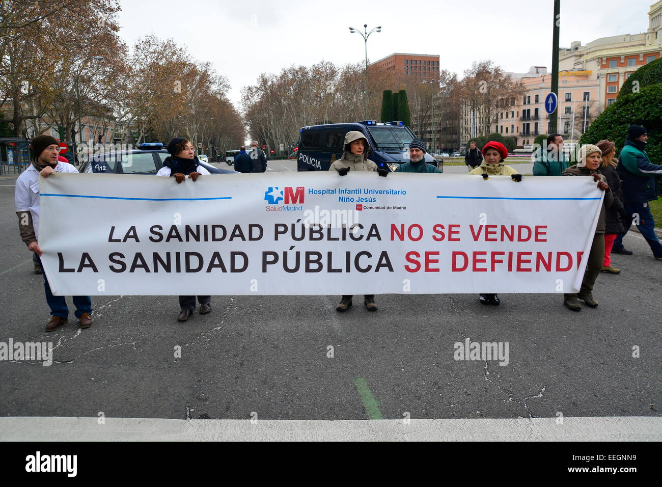 18th Jan, 2015. A banner against healthcare funding cuts during a demonstration in Madrid, Spain. Credit:  Marcos - Stock Image