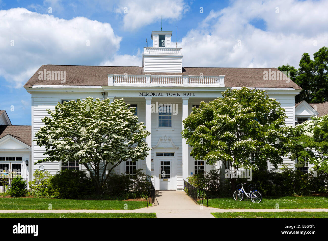 Memorial Town Hall in Old Lyme, Connecticut, USA - Stock Image