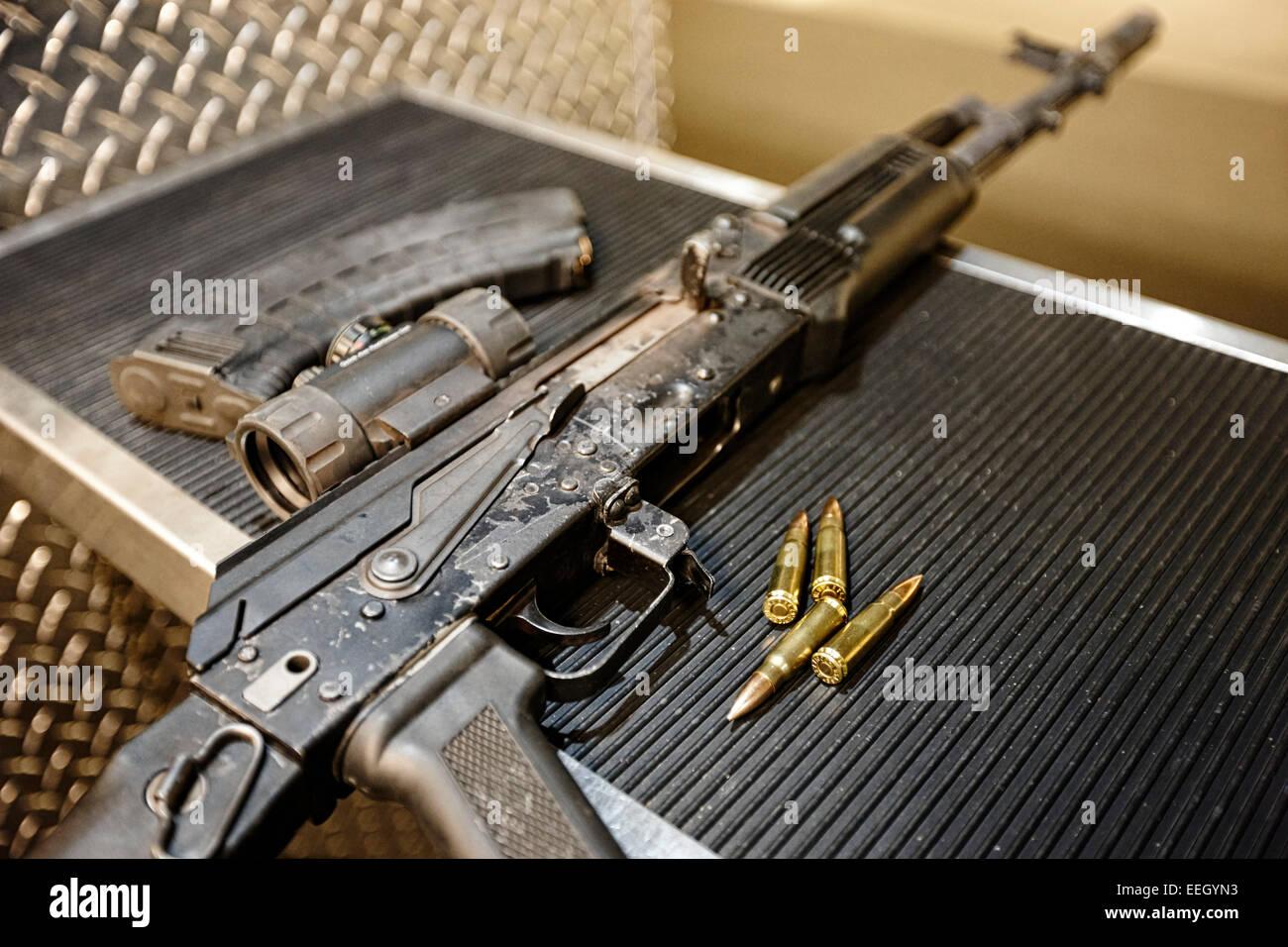 Ak47 Gun Stock Photos & Ak47 Gun Stock Images - Alamy