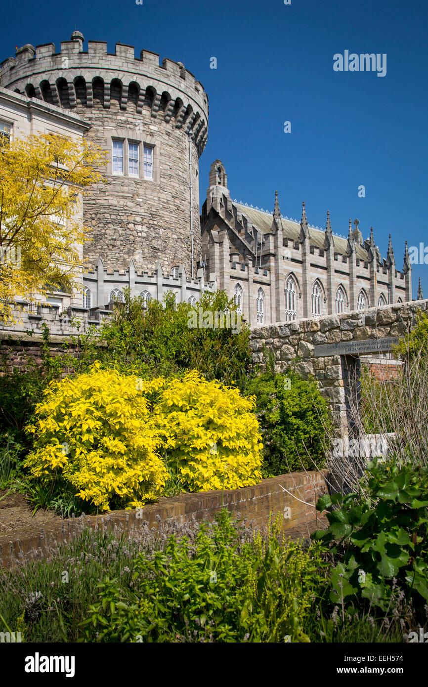 Sunny day in the gardens below Dublin Castle, Dublin, Eire, Republic of Ireland - Stock Image