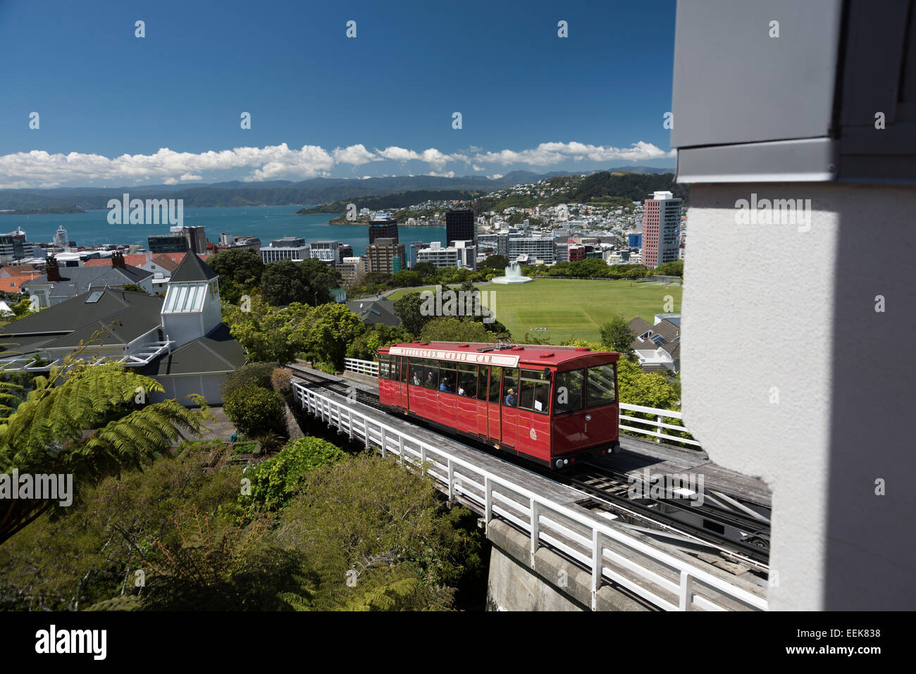 Wellington Cable Car entering the upper station,  kurz vor der Einfahrt in die Bergstation, newzealand, - Stock Image