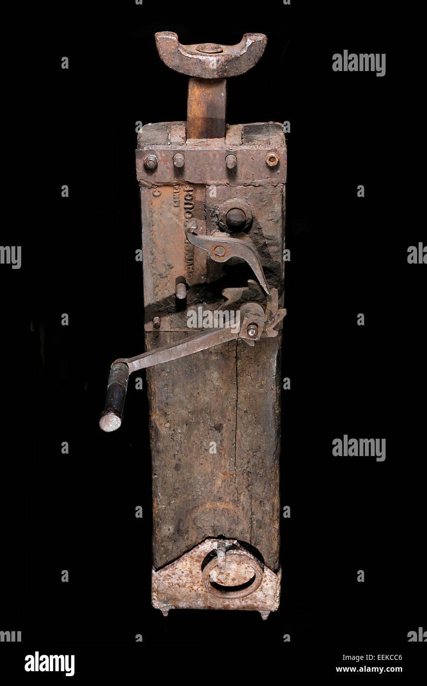 jack-screw lifter foundations vintage - Stock Image