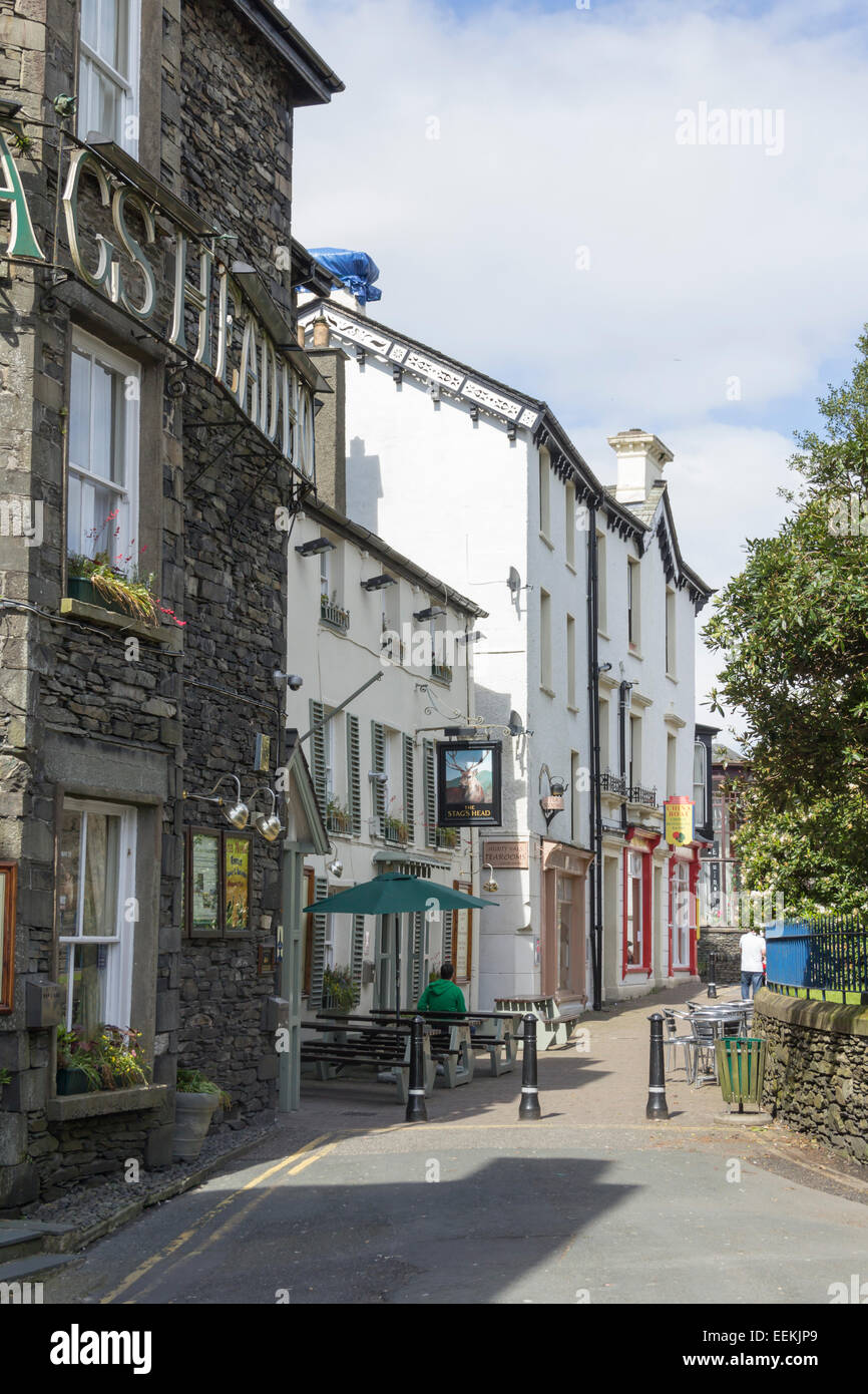 The Stags Head and Aunty Vals Tearooms on Church Street, Bowness-on-Windermere, Cumbria. Stock Photo