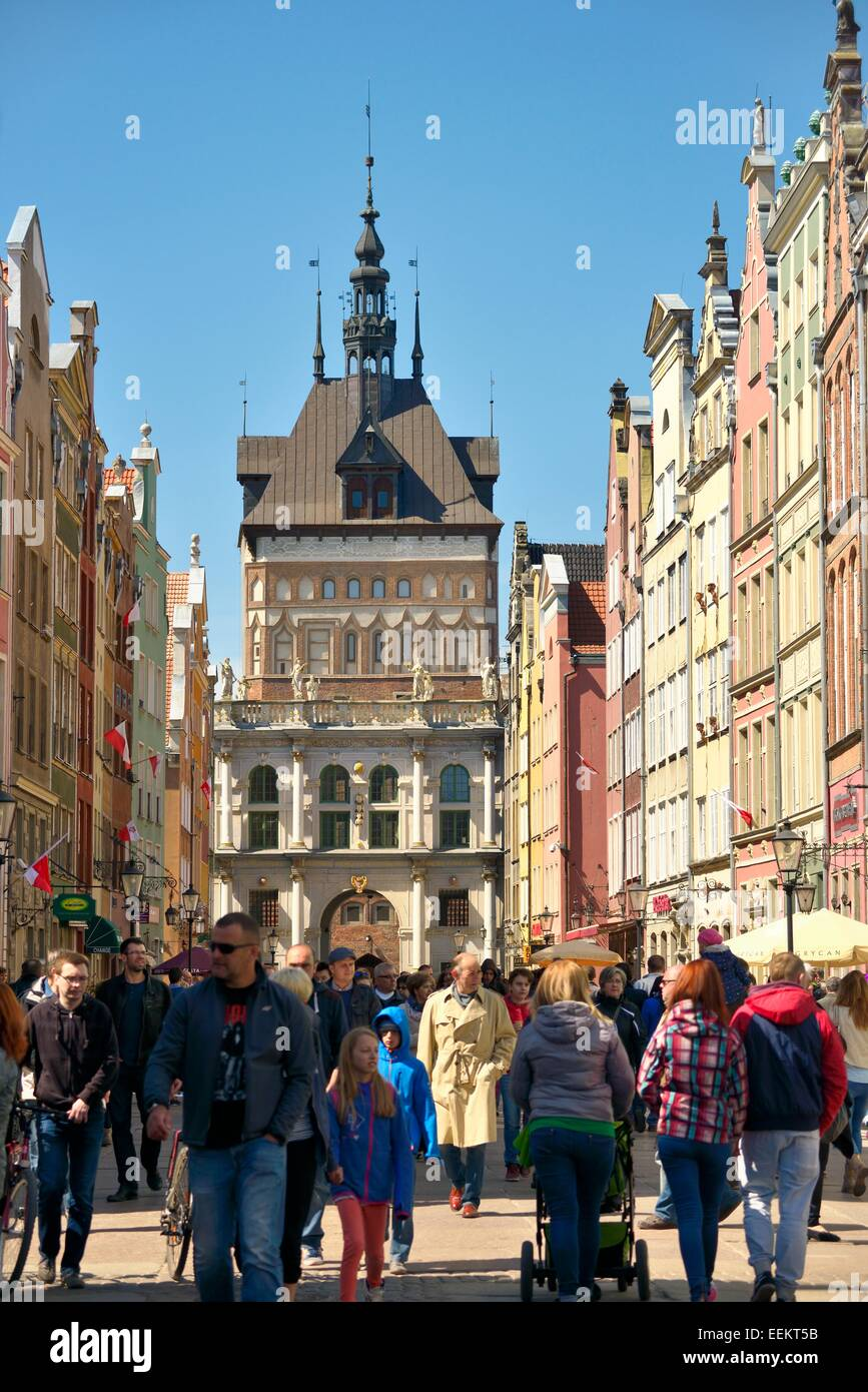 Gdansk Poland. The Old Town. West along main shopping street of Dluga to the Golden Gate and the Prison Tower rising - Stock Image