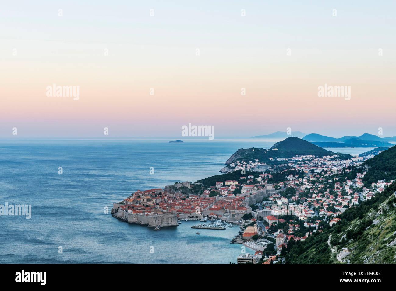 Aerial view of coastal city on hillside, Dubrovnik, Dubrovnik-Neretva, Croatia - Stock Image