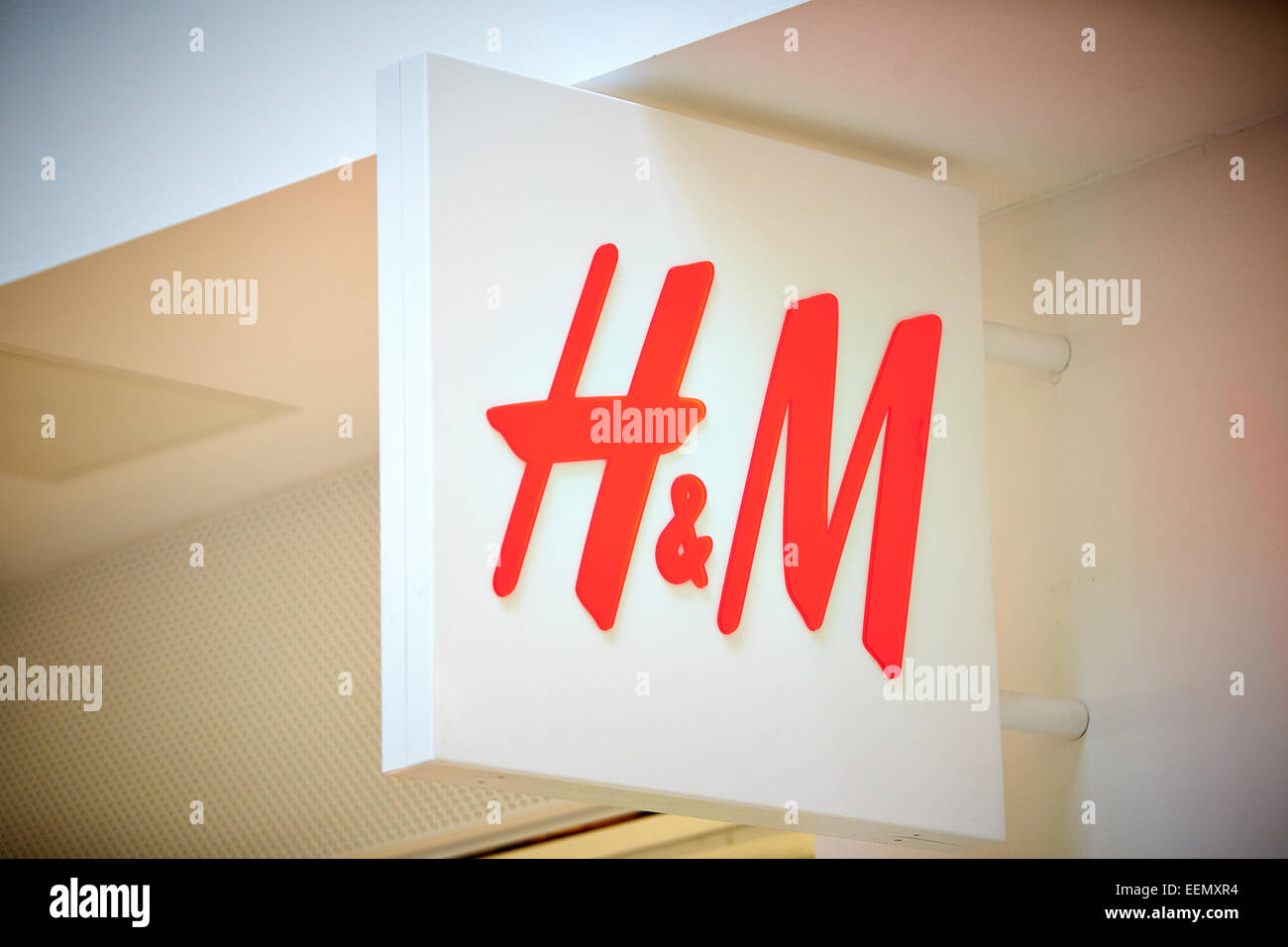 Detail view of a new H&M store in the Clarendon Centre, Oxford - Stock Image