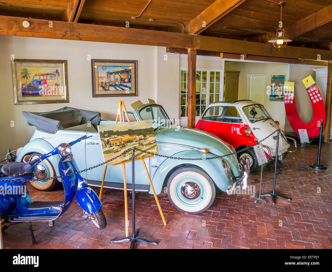 Classic Cars Of Sarasota >> Cars On Display Inside The Sarasota Classic Car Museum In